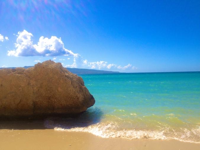 Grosse_Roche_Beach_in_Saint-Marc,_Haiti
